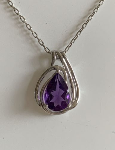 Pear Shaped Purple Amethyst White Gold Necklace 6796